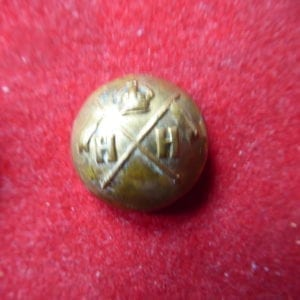 Hodson's Horse {4th Duke of Cambridge's Own). Small sized officer's button 1923-1947